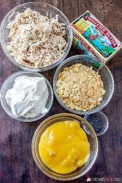 Ingredientes de cazuela de pollo con semillas de amapola