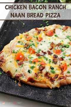 """Adicione um novo favorito à noite de pizza com esta Pizza de Pão Naan Chicken Chicken Bacon Ranch! Esta combinação de sabores combina bem com pão naan e é a idéia perfeita para pizza! """"Width ="""" 600 """"height ="""" 900 """"srcset ="""" https://www.lovebakesgoodcakes.com/wp-content/uploads/2018/08/Chicken -Bacon-Ranch-Naan-Bread-Pizza-3b.jpg 600w , https://www.lovebakesgoodcakes.com/wp-content/uploads/2018/08/Chicken-Bacon-Ranch-Naan-Bread-Pizza-3b- 200x300.jpg 200w """"tamanhos ="""" (largura máxima: 600 px ) 100vw, 600 px """"data-jpibfi-post-excerpt ="""" """"data-jpibfi-post-url ="""" https://www.lovebakesgoodcakes.com/chicken- bacon-ranch-naan-naan-bread-pizza / """"data- jpibfi-post-title = """"Pizza de pão Naan Ranch de bacon com frango"""" data-jpibfi-src = """"https://www.lovebakesgoodcakes.com/wp-content/uploads/ 2018/08 / Chicken-Bacon-Ranch-Naan -Bread-Pizza-3b.jpg"""