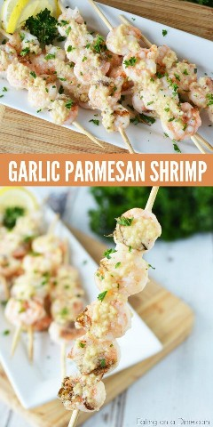 The recipe for grilled shrimp with parmesan and garlic is very tasty! Once you learn how to grill shrimp, it's easy. Try the recipe for grilled shrimp with butter and garlic!