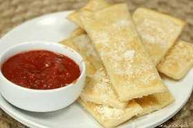 ¿Te encantan las recetas fáciles de Copycat? Prueba esta sencilla receta de Little Caesers Crazy Bread. ¡Tiene un sabor increíble y se puede hacer fácilmente en casa!