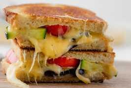 Close-up tiro de sanduíche de queijo grelhado