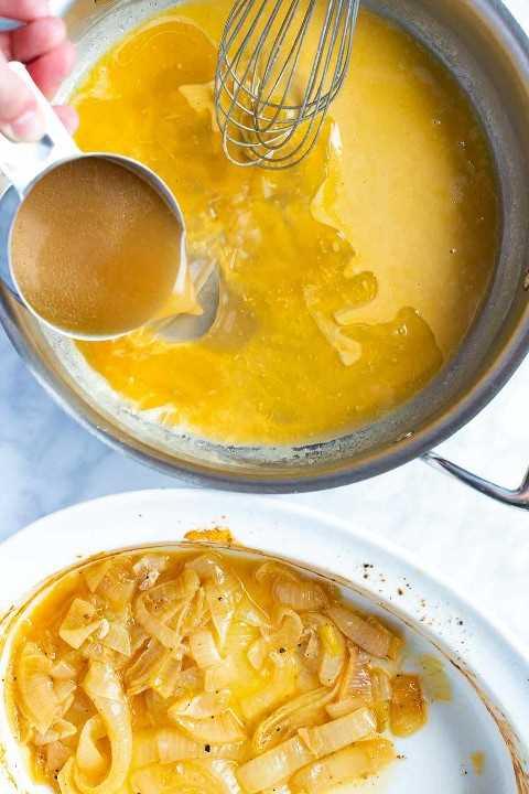 Como fazer um molho saboroso com ou sem pingar pão. Use esta receita fácil de molho para frango, peru, carne e até caldo de legumes!