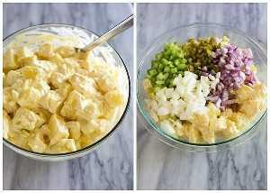 Uma tigela transparente com fatias de batata em molho, juntamente com uma foto da tigela com ovo picado, cebola, picles e aipo adicionados por cima para fazer uma salada de batata.