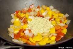 Pollo a la pimienta con anacardos salteados de thelittlekitchen.net
