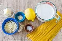 Ingredientes para o molho de creme de limão alfredo
