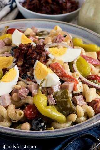 Salada cremosa de massa italiana: uma festa em família