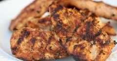 Procurando mais receitas para grelhar? Melhor Marinada de Frango Grelhado - A Melhor Receita Marinada de Frango para Churrasco. Experimente esta marinada de frango simples e rápida hoje.