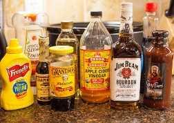 Receta de frijoles horneados de cocción lenta Bourbon Maple (vegan, GF) en averiecooks.com