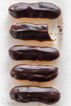 Éclairs de chocolate caseiro