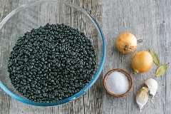 Como cozinhar feijões secos: fácil e fácil de congelar! Feijão caseiro pode ser usado para qualquer receita que exija feijão enlatado | natashaskitchen.com