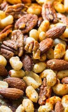 Cajun Nuts - Faça um ótimo lanche para festas ou lanche de férias. Aromatizado com muitas especiarias, um pouco de açúcar e um pouco de gordura de bacon!