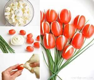 ¡Estos tulipanes de tomate cherry son TAN BONITOS y tienen un sabor increíble! ¡Serían un gran aperitivo para una fiesta o incluso el Día de la Madre! ¡Y el relleno de queso feta batido es tan bueno!