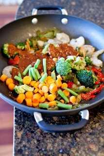 Salteado de Camarones Szechuan con Arroz Frito (GF) - ¡Lleno de sabor, saludable y muy fácil de hacer! ¡Quién necesita comida para llevar cuando puedes hacer bricolaje en 15 minutos!