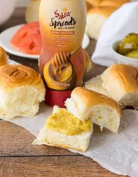 """Estou obcecado com esses sliders crocantes de mel e frango com mostarda! O molho de mostarda doce e picante de mel é incrível! """"Width ="""" 675 """"height ="""" 868 """"srcset ="""" https://iwashyoudry.com/wp-content/uploads/2016/09/Crispy-Honey-Mustard-Chicken- Sliders-2.jpg 675w, https: / /iwashyoudry.com/wp-content/uploads/2016/09/Crispy-Honey-Mustard-Chicken-Sliders-2-600x772.jpg 600w """"tamanhos ="""" (largura máxima: 675px) 100vw, 675px"""