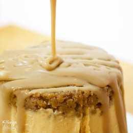 Este pastel de helado de calabaza y especias es prácticamente infalible: ¡lo haces justo en el cartón! ¡El postre de Acción de Gracias perfecto, único y FÁCIL!