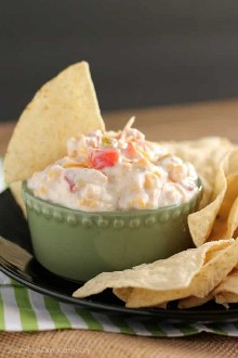 Fiesta Ranch Dip: solo 5 ingredientes para esta salsa picante y fresca.