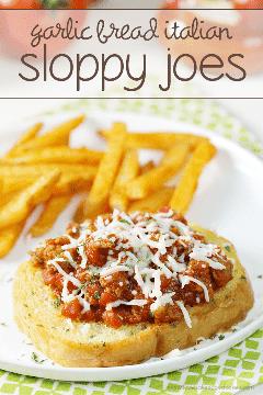 Dê um toque italiano ao sanduíche desleixado clássico de Joe com esta receita fácil de pão de alho italiano Sloppy Joes! Sua família vai adorar essa idéia fácil de jantar! #MyTuscanTable #ad