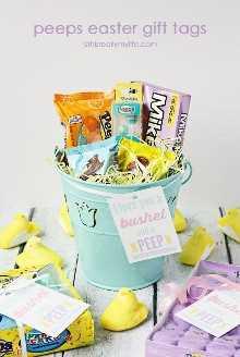 Bushel y una etiqueta de regalo imprimible de Pascua gratis de PEEP: ¡convierta rápida y fácilmente un paquete de PEEPS en un regalo perfectamente dulce para amigos, maestros y vecinos!