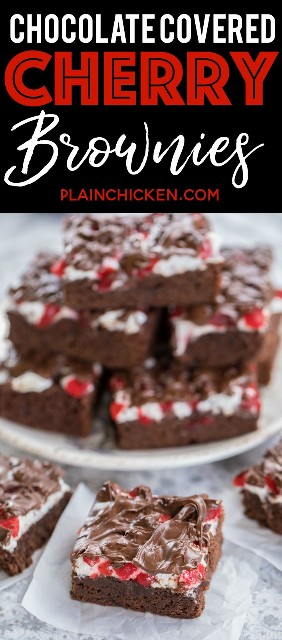 Brownies de cereza cubiertos de chocolate - ¡realmente deliciosos! Brownies caseros cubiertos con malvaviscos, cerezas marrasquino y chocolate. ¡Ideal para fiestas y un regalo festivo casero! ¡Los llevé a una fiesta y todos pidieron la receta! ¡¡¡Tan bueno!!! Azúcar, harina, cacao, levadura en polvo, sal, mantequilla, huevos, malvaviscos, cerezas al marrasquino y chispas de chocolate. #brownies #christmasrecipes #dessertrecipe #dessert