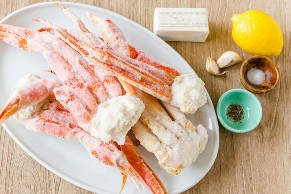 Ingredientes para o caranguejo caseiro com molho de alho e manteiga de limão