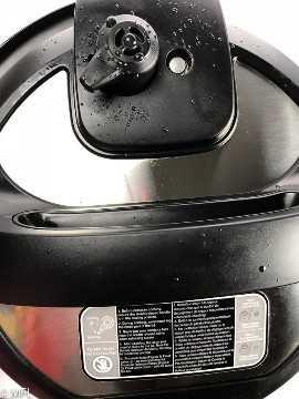 Parte superior da tampa do Instant Pot configurada para
