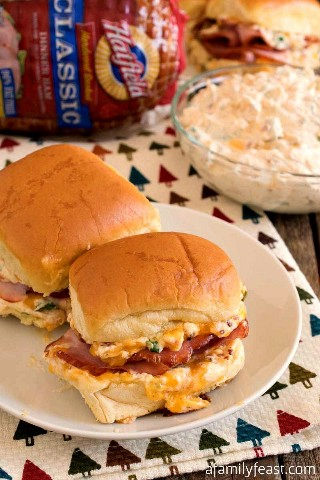 Sliders Mississippi Sin Ham - Sliders deliciosos presunto com deliciosa cobertura de queijo, assim como o Mississipi Sin Dip!