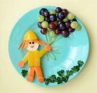 Mais de 50 almoços de comida para crianças: uma menina com balões
