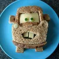 Mais de 50 almoços artísticos para crianças - Tow Mater Sandwich