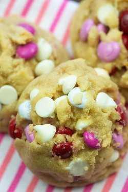 Biscoitos dos Namorados: Tão fácil e estes são os biscoitos mais grossos e chewy de todos! Meu favorito! #cookies #valentinesday #recipes