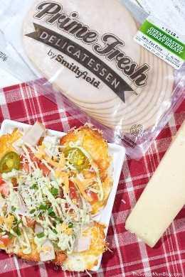 Estes ceto-nachos fáceis são uma deliciosa ideia de lanche ou almoço com baixo teor de carboidratos, fresca, saborosa e pronta em cerca de 10 minutos!