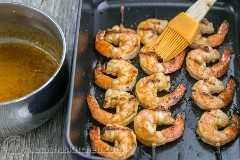 (Irresistivelmente delicioso) Espetos de camarão grelhado com alho e cajun | NatashasKitchen.com