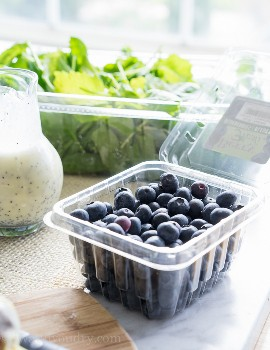 "¡Ensalada de arándanos y aguacate con superalimento con aderezo de semillas de amapola y limón! ""Width ="" 675 ""height ="" 877 ""srcset ="" https://iwashyoudry.com/wp-content/uploads/2015/08/Superfood-Avocado-Blueberry-Salad-7 .jpg 675w, https://iwashyoudry.com/wp-content/uploads/2015/08/Superfood-Avocado-Blueberry-Salad-7-600x780.jpg 600w, https://iwashyoudry.com/wp-content/uploads /2015/08/Superfood-Avocado-Blueberry-Salad-7-18x24.jpg 18w, https://iwashyoudry.com/wp-content/uploads/2015/08/Superfood-Avocado-Blueberry-Salad-7-28x36. jpg 28w, https://iwashyoudry.com/wp-content/uploads/2015/08/Superfood-Avocado-Blueberry-Salad-7-37x48.jpg 37w ""tamaños ="" (ancho máximo: 675px) 100vw, 675px"
