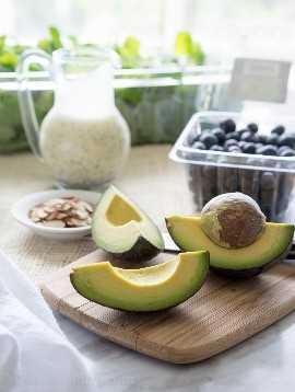 "Ensalada de arándanos con aguacate y superalimento con aderezo de semillas de amapola y limón ""width ="" 675 ""height ="" 897 ""srcset ="" https://iwashyoudry.com/wp-content/uploads/2015/08/Superfood-Avocado-Blueberry-Salad-6 .jpg 675w, https://iwashyoudry.com/wp-content/uploads/2015/08/Superfood-Avocado-Blueberry-Salad-6-600x797.jpg 600w, https://iwashyoudry.com/wp-content/uploads /2015/08/Superfood-Avocado-Blueberry-Salad-6-18x24.jpg 18w, https://iwashyoudry.com/wp-content/uploads/2015/08/Superfood-Avocado-Blueberry-Salad-6-27x36. jpg 27w, https://iwashyoudry.com/wp-content/uploads/2015/08/Superfood-Avocado-Blueberry-Salad-6-36x48.jpg 36w ""tamaños ="" (ancho máximo: 675px) 100vw, 675px"