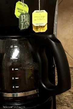 Lute contra os radicais livres que danificam as células do nosso corpo com esta receita deliciosa e fácil para o chá, que aumenta a imunidade! Você pode até usar uma cafeteira comum!