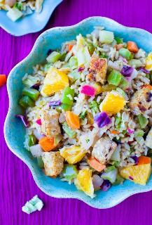 Una ensalada saludable y abundante que te mantendrá lleno y satisfecho por horas. ¡Es saludable y está listo en menos de 15 minutos!