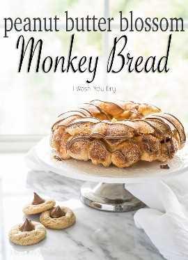 """¡Toda la bondad de la clásica flor de mantequilla de maní, envuelta en un cálido y delicioso pan de mono! ¡A mi familia le encanta esta divertida receta de postres, pero a veces incluso la comemos en el desayuno! """"width ="""" 675 """"height ="""" 933 """"srcset ="""" https://iwashyoudry.com/wp-content/uploads/2015/12/Peanut-Butter-Blossom-Monkey-Bread-6-copy.jpg 675w, https : //iwashyoudry.com/wp-content/uploads/2015/12/Peanut-Butter-Blossom-Monkey-Bread-6-copy-600x829.jpg 600w, https://iwashyoudry.com/wp-content/uploads/ 2015/12 / Peanut-Butter-Blossom-Monkey-Bread-6-copy-17x24.jpg 17w, https://iwashyoudry.com/wp-content/uploads/2015/12/Peanut-Butter-Blossom-Monkey-Bread -6-copy-26x36.jpg 26w, https://iwashyoudry.com/wp-content/uploads/2015/12/Peanut-Butter-Blossom-Monkey-Bread-6-copy-35x48.jpg 35w """"tamaños ="""" (ancho máximo: 675px) 100vw, 675px"""