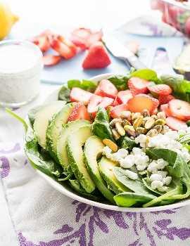 """¡Esta ensalada de espinacas con aguacate y fresas es una receta rápida y fácil para el almuerzo que es perfecta para los calurosos días de verano! """"Width ="""" 675 """"height ="""" 877 """"srcset ="""" https://iwashyoudry.com/wp-content/uploads/2016/06 /Avocado-Strawberry-Spinach-Salad-3.jpg 675w, https://iwashyoudry.com/wp-content/uploads/2016/06/Avocado-Strawberry-Spinach-Salad-3-600x780.jpg 600w """"tamaños ="""" (ancho máximo: 675px) 100vw, 675px"""