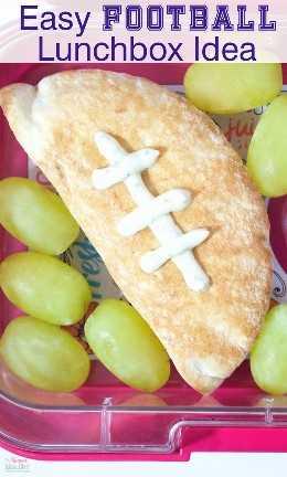 ¡Este es el aperitivo de fútbol MÁS FÁCIL que jamás haya hecho! ¡Perfecto para el día del juego y las fiestas de portón trasero y la lonchera de los niños también!