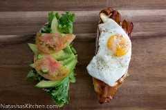 Este desayuno BLT Sandwich Recipe es exagerado de la mejor manera. Agregamos un huevo a este desayuno BLT y cubierto con aguacate. Combinación perfecta.