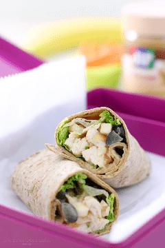 Esta receta de PB Apple Chicken Salad Wraps es una idea rápida y deliciosa para el almuerzo. Si estás buscando una ensalada de pollo que sea un poco diferente al resto, ¡acabas de encontrarla!