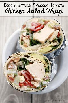 Wrap Lettuce Avocado Tomato Chicken Salad Wrap es una idea rápida y fácil de cenar o almorzar. #wraps #chickensalad #baconmonth #putsomepiginit