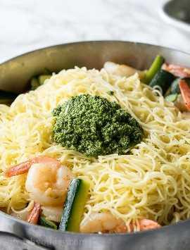 """¡Agregue una magnífica cantidad de Pesto de albahaca fresco a esta sencilla cena de pasta de verano y observe lo que sucede! """"Width ="""" 675 """"height ="""" 888 """"srcset ="""" https://iwashyoudry.com/wp-content/uploads/2017/07 /Shrimp-Pesto-Pasta-3.jpg 675w, https://iwashyoudry.com/wp-content/uploads/2017/07/Shrimp-Pesto-Pasta-3-600x789.jpg 600w """"tamaños ="""" (ancho máximo : 675 px) 100vw, 675 px"""
