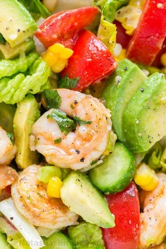 Shrimp and avocado salad recipe with Cajun shrimp and the best flavors of summer. Lemon coriander dressing gives this shrimp salad an amazing fresh taste! The | natashaskitchen.com