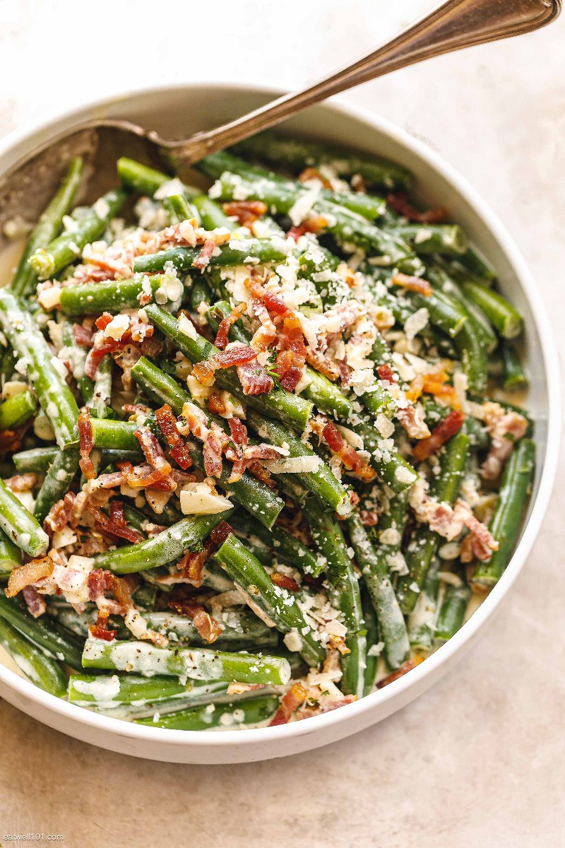 Creamy green bean casserole with parmesan and bacon 2
