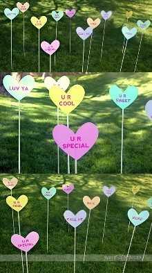 """decoración del día de San Valentín """"width ="""" 400 """"height ="""" 715 """"srcset ="""" https://juegoscocinarpasteleria.org/wp-content/uploads/2020/02/1582057809_686_Ideas-de-decoracion-del-dia-de-San-Valentin-que-te.jpg 550w, https: // juelzjohn.com/wp-content/uploads/2019/01/valentines-day-decor-5-300x536.jpg 300w, https://juelzjohn.com/wp-content/uploads/2019/01/valentines-day-decor -5-448x800.jpg 448w """"tamaños ="""" (ancho máximo: 400px) 100vw, 400px """"data-pin-url ="""" https://juelzjohn.com/valentines-day-decor/ """"data-pin-media = """"https://juegoscocinarpasteleria.org/wp-content/uploads/2020/02/1582057809_686_Ideas-de-decoracion-del-dia-de-San-Valentin-que-te.jpg"""" data-pin-description = """"decoración del día de San Valentín"""" /></p> <p>Esta idea de decoración es tan genial. Escribir notas cortas en los letreros imprimibles del césped es muy divertido y dulce. Una manera fácil y especial de mostrar amor a sus vecinos y amigos.</p> <p>Puede pegar los letreros en su casa, en la puerta o como se muestra en la imagen de arriba. Si quieres ser un poco más, también puedes agregar los letreros en los árboles.</p> <p>fuente de citas divas</p> </p> <p><strong>52 cosas que amo de ti</strong></p> <p data-imagelightbox="""