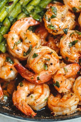 Garlic #Butter # Shrimp with # Asparagus - # eatwell101 #recipe - So much flavor and so easy to make, this shrimp dinner is a winner!