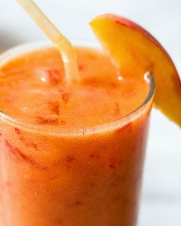 Peach and Ginger Smoothie - #recipe by # eatwell101 - https://www.eatwell101.com/ginger-peach-smoothie-recipe