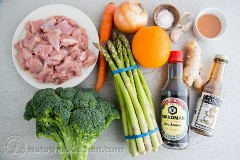 Frango e legumes salteados com laranja