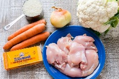 ¡Estos muslos de pollo rellenos al horno son sabrosos, tiernos y, francamente, una excelente receta de pollo! Una cena saludable de pollo con 1 bandeja (* con opción de preparar)   natashaskitchen.com