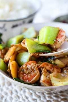 receita fácil para refogado de camarão | pickledplum.com